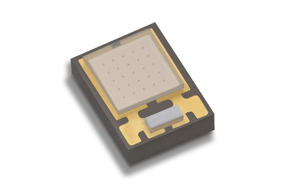 Luxeon UV U1 обеспечивает удвоенную мощность излучения ультрафиолетового светодиода предыдущего поколения при 380-390 нм в миниатюрном корпусе SMD площадью 2,2 мм² с 5x большей удельной мощностью.