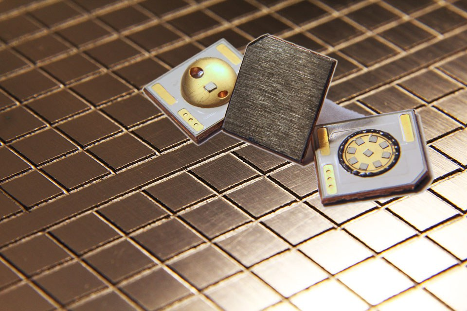 Новый диэлектрический материал для теплоотвода Black X™ от Litecool